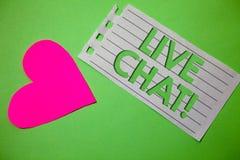 Begreppsmässig handhandstil som visar Live Chat Motivational Call Affärsfoto som ställer ut realtidsmassmediakonversationonline-c Fotografering för Bildbyråer