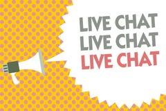 Begreppsmässig handhandstil som visar Live Chat Live Chat Live pratstund Affärsfototext som direktanslutet talar med folkvänsläkt Royaltyfri Bild
