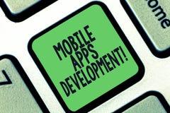 Begreppsmässig handhandstil som visar mobil Appsutveckling Process för affärsfototext av att framkalla den mobila appen för royaltyfri illustrationer