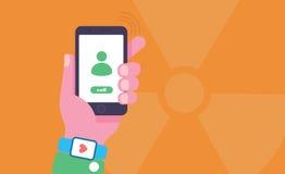 Begreppsmässig illustration för mobiltelefonutstrålning Handen är den hållande mobiltelefonen med utstrålningstecknet på bakgrund Royaltyfria Foton