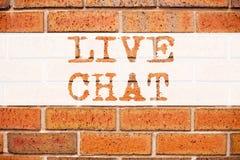 Begreppsmässig inspiration för meddelandetextöverskrift som visar Live Chat Affärsidé för att prata den kommunikationsDigital ren Arkivbild
