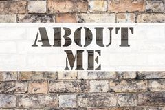 Begreppsmässig inspiration för meddelandetextöverskrift som visar om mig Affärsidé för nolla för personlig identitet för självmed royaltyfri foto