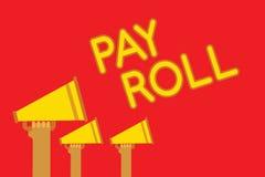 Begreppsmässig rulle för lön för handhandstilvisning Affärsfotoet som ställer ut belopp av timpenningar och lön, betalade vid ett Arkivfoton