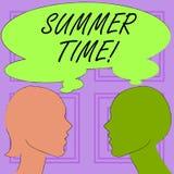 Begreppsmässig sommar Tid för handhandstilvisning Affärsfototext att uppnå längre aftondagsljussommar som ställer in klockor stock illustrationer