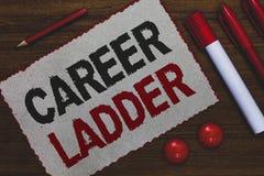 Begreppsmässig stege för karriär för handhandstilvisning Affärsfoto som ställer ut Job Promotion Professional Progress Upward rör royaltyfri bild