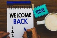 Begreppsmässig välkomnande för handhandstilvisning tillbaka Ankom varma hälsningar för affärsfototext accepterad nöjd manholdin f royaltyfria foton