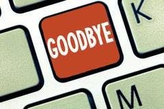 Begreppsmässigt farväl för handhandstilvisning Affärsfotoet som ställer ut hälsningen för att lämna avsked, ser dig snart avskilj royaltyfria foton