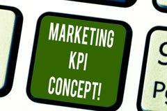 Begreppsmässigt Kpi för marknadsföring för handhandstilvisning begrepp Effektivitet för mått för affärsfototext av aktioner i mar royaltyfria bilder