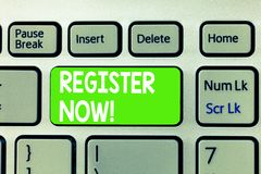 Begreppsmässigt register för handhandstilvisning nu Affärsfototext som sätter information speciellt ditt namn in i royaltyfri fotografi