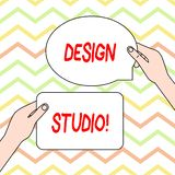 Begreppsm?ssig studio f?r design f?r handhandstilvisning Arbetsplats f?r aff?rsfototext f?r formgivare och hantverkare som in kop royaltyfri illustrationer