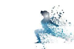 Begreppssportaktiviteter avlägset i framtiden Kvinnan med exponeringsglas av virtuell verklighet Framtida teknologibegrepp arkivfoto