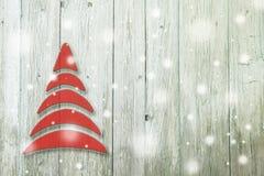 Begriffsbaum des neuen Jahres und des Weihnachten auf einem hölzernen Stockbild