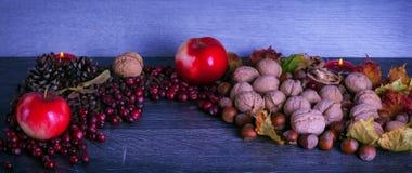 Begriffserntegraphik mit verschiedenem Gemüse auf dem Feld Stockfotos