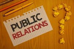 Begriffshandschrift, die Öffentlichkeitsarbeiten zeigt Geschäftsfototext Kommunikations-Medien-Leute-Informations-Werbesozial-Wor lizenzfreie abbildung