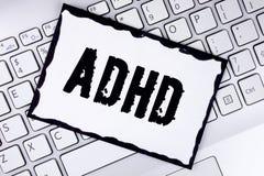Begriffshandschrift, die Adhd zeigt Geschäftsfoto Präsentationslernen einfacher für das Kinderunterrichten nicht mehr einen schwi Stockfotografie