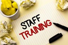 Begriffshandschrift, die Ausbildung des Personals zeigt Geschäftsfoto Präsentationsunterrichtende Teamwork neue Sachen Angestellt Stockfotografie