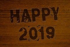 Begriffshandschrift, die glückliches 2019 zeigt Die Geschäftsfotos, die neues Jahr-Feier zur Schau stellen, jubelt Congrats Motiv Lizenzfreie Stockfotos