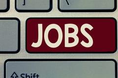 Begriffshandschrift, die Jobs zeigt Zur Schau stellende zahlende Position des Geschäftsfotos der Aufgabe der festen Anstellung un lizenzfreies stockbild