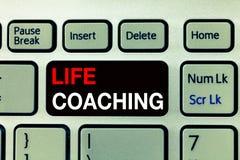 Begriffshandschrift, die Lebensberatung zeigt Geschäftsfototext verbessern die Leben durch Herausforderungen anregt uns in unsere lizenzfreie stockbilder