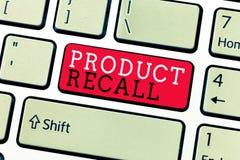 Begriffshandschrift, die Rückruf eines fehlerhaften Produktes zeigt Geschäftsfoto-Text Antrag durch eine Firma, das Produkt wegen stockbild