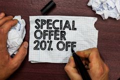 Begriffshandschrift, die Sonderangebot 20 vorführt Geschäftsfototext Rabatt-Förderung Verkäufe verkaufen Marketing-Angebot-Hand h Stockbilder