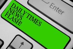 Begriffshandschrift, die Daily Times-Blitznachrichten zeigt Das Geschäftsfoto, das schnelle Antwort zu den Aktionen zur Schau ste Stockbilder