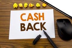 Begriffshandschrifttext, der Bargeld hinteres Cashback zeigt Geschäftskonzept für die Geld-Versicherung geschrieben auf klebriges Lizenzfreies Stockfoto