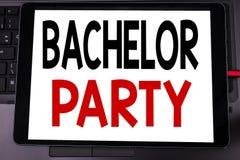 Begriffshandschrifttext-Titelinspiration, die Jungesellen-Party zeigt Geschäftskonzept für Hirsch-Spaß Celebrate geschrieben auf  Lizenzfreie Stockfotos