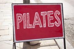 Begriffshandschrifttext-Titelinspiration, die Pilates zeigt Geschäftskonzept für die Eignungs-Balancen-Trainings-Übung an geschri Stockfoto