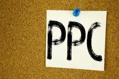 Begriffshandschrifttext-Titelinspiration, die PPC - Pay per Click zeigt Geschäftskonzept für Internet SEO Money geschrieben auf s Stockbild