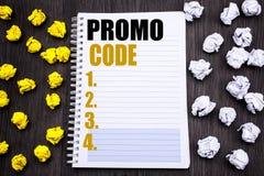 Begriffshandschrifttexttitel, der Promo-Code zeigt Geschäftskonzept für Förderung für das on-line-Geschäft geschrieben auf Notizb Stockfotografie