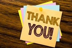 Begriffshandschrifttexttitel-Inspirationsvertretung danken Ihnen Geschäftskonzept für die Dank-Mitteilung geschrieben auf klebrig Lizenzfreies Stockfoto