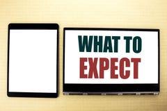 Begriffshandschrifttexttitel-Inspirationsvertretung zu erwarten was Geschäftskonzept für Achieve Erwartung geschrieben auf Tabell Stockbilder