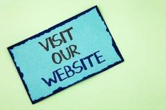 Begriffshandschriftvertretung Besuch unsere Website Geschäftsfototext Einladungs-Uhrwebseite Link zu homepage-Blog-Internet wr Stockfotografie