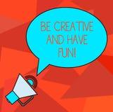 Begriffshandschriftvertretung ist kreativ und hat Spaß Geschäftsfoto, welches das glückliche schaffende neue Sachengenießen zur S stock abbildung