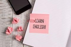 Begriffshandschriftvertretung lernen Englisch Zur Schau stellendes Gesch?ftsfoto zu gewinnen, Wissen in der neuen Sprache durch S stockfoto