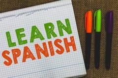 Begriffshandschriftvertretung lernen Spanisch Geschäftsfototext Übersetzungs-Sprache in der Spanien-Vokabular-Dialekt-Rede öffnen lizenzfreies stockbild