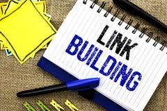 Begriffshandschriftvertretung Link-Gebäude Geschäftsfoto Präsentationsprozeß des Erwerbs von Hyperlink von anderen Website Conne lizenzfreies stockfoto