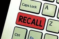 Begriffshandschriftvertretung Rückruf Geschäftsfototext holen Tatsachenereignis, oder Situation zurück in eine Verstand erinnern  stockfoto