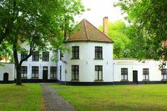 Beguinage klasztoru budynki Bruges Belgia Zdjęcia Stock