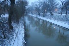Begum-Kanal im Schnee, Timisoara Lizenzfreie Stockfotografie