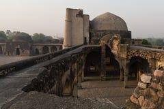 Begumpur moské i Jahanpanah Arkivfoto