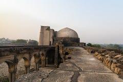 Begumpur moské i Jahanpanah Arkivbild