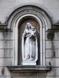 begynna jesus för holding madonna Arkivfoton