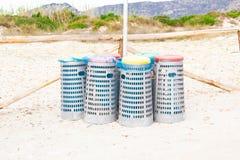 Behälter für die Wiederverwertung des Abfalls Stockfotos