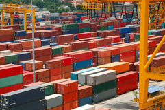 Behälter im Hafen bei Thailand Lizenzfreie Stockfotos