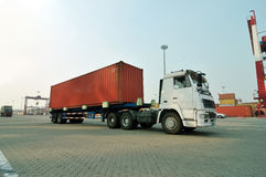 Behälter-LKW Lizenzfreies Stockfoto
