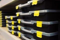 Behälter mit Werkzeugen Lizenzfreie Stockfotos
