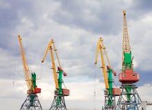 Behälter streckt sich in Feodosiya, Krim, Ukraine Lizenzfreies Stockfoto