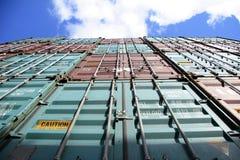 Behälter und Himmel Stockfotografie